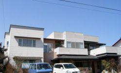 陸屋根のある家